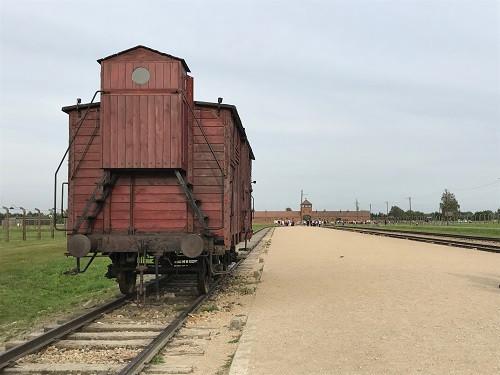 アウシュヴィッツ収容所の貨車