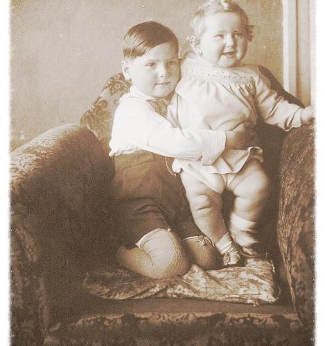George and Hana 1932_edited.jpg