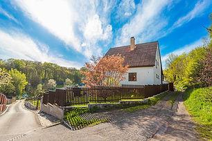 Prodej výjimečného domu 6+2 (318 m2) s terasou na jihozápadním pozemku (1416 m2)