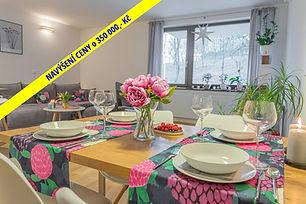 Velkoryse řešený byt s dispozicí 2+kk o velikosti 67 m2, s terasou 12 m2 a garážovým stáním