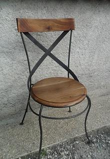 Chaise réalisée par Fer ou Refer en acier, chaudronnerie d'art
