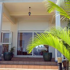 The veranda of the hotel La Fournaise