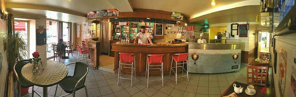 Le bar du Square Pause Pizza Courpiere