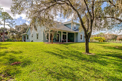 Lake Washington - Elegant Farm House