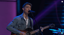 Avery Roberson advances to The Battle Rounds on NBC The Voice
