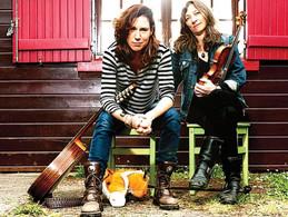 NICOLA HAYES & HELENE BRUNET Acoustic roots music
