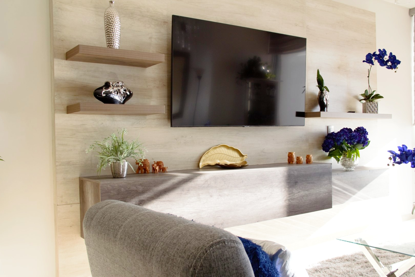 TV and decor in living room.