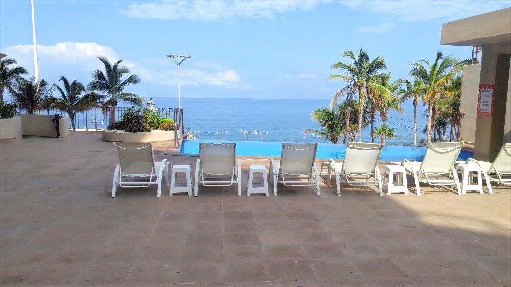 Infinity pool with ocean views.