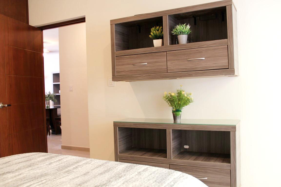 Additional storage/decor.