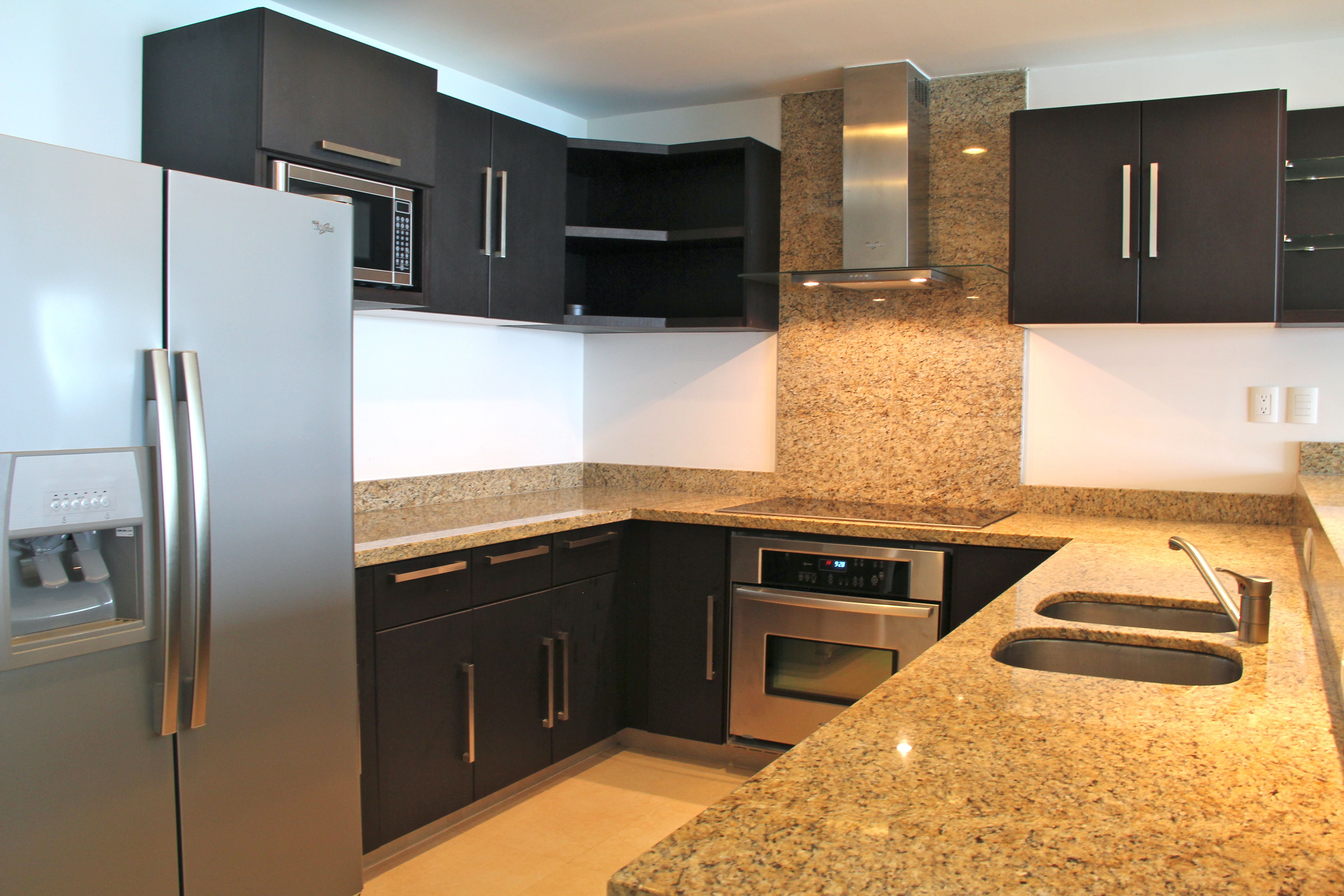 Gourmet kitchen with granite counter