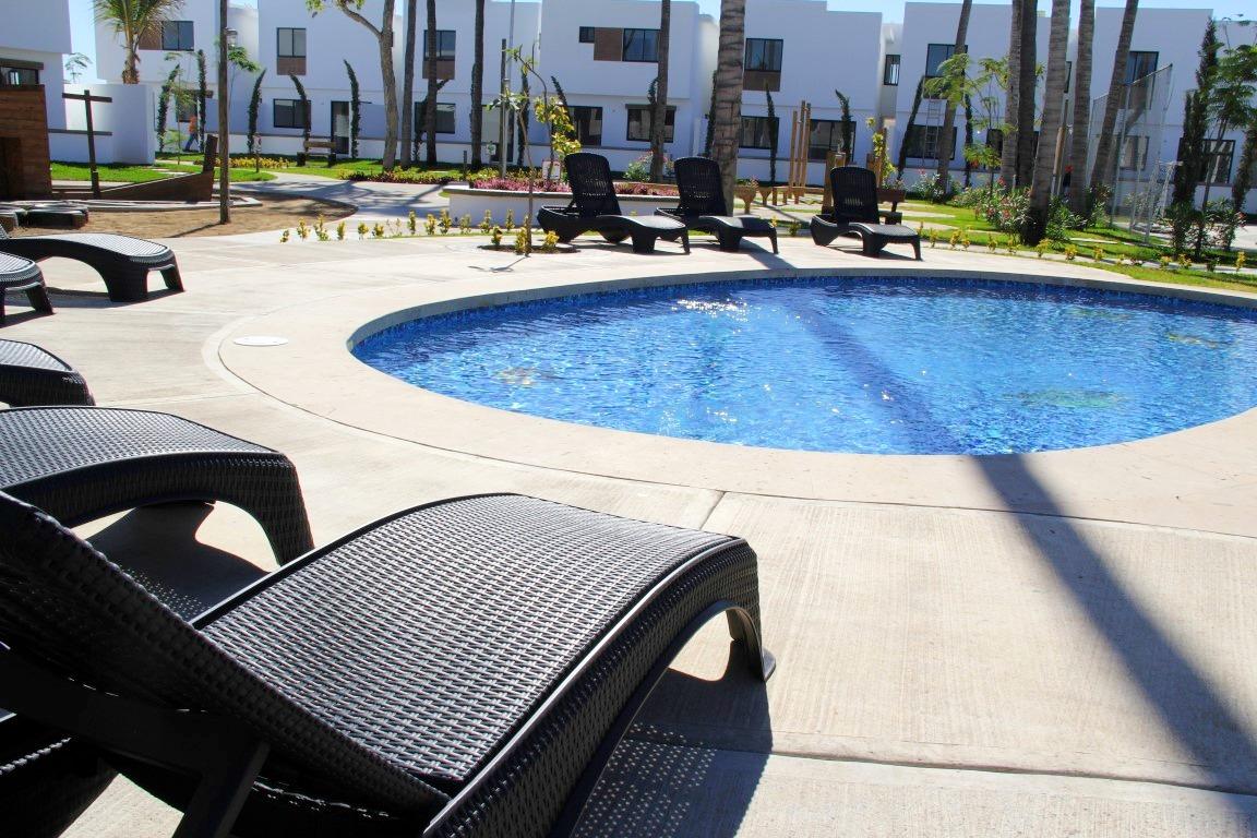 Quiet pool area.