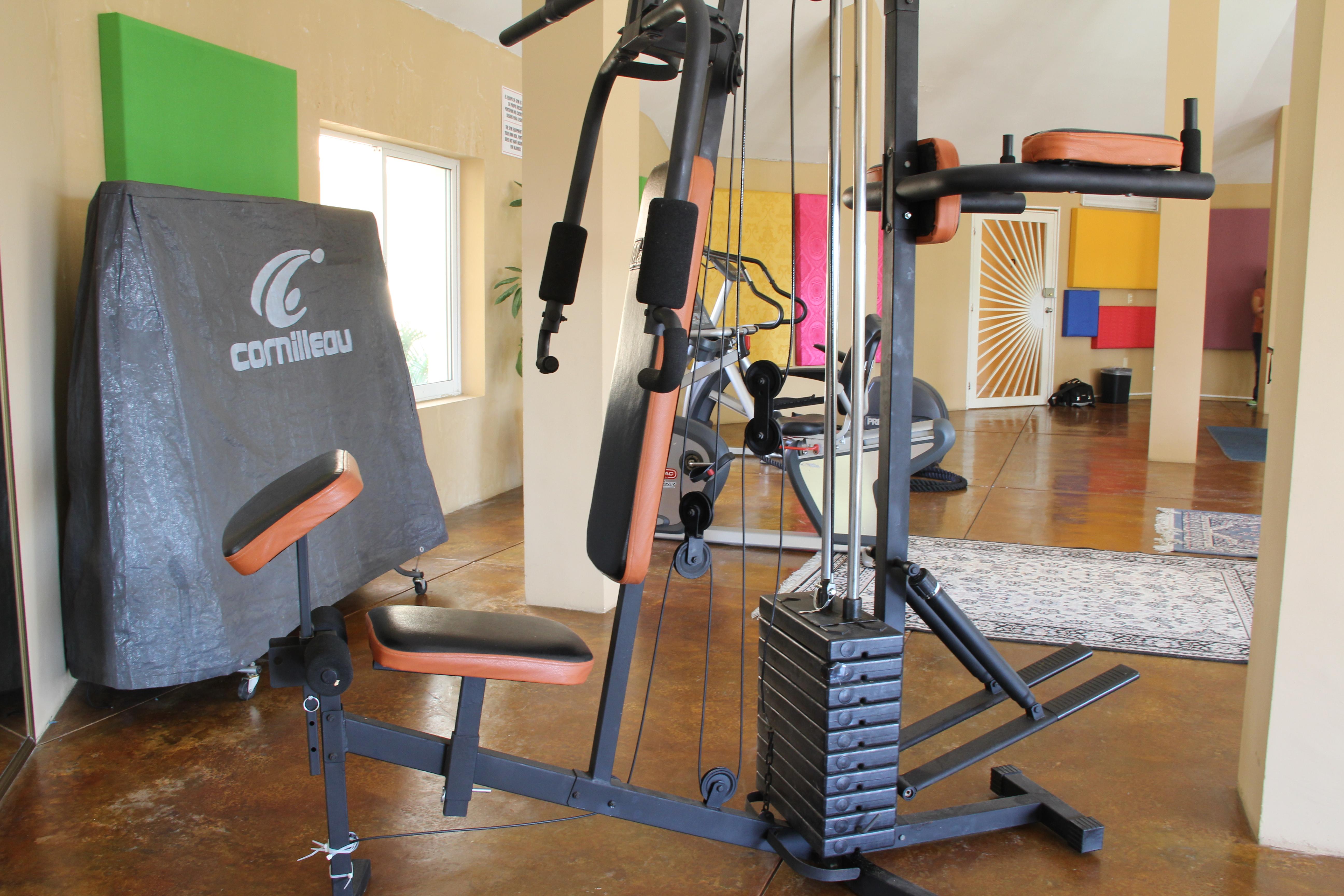 Universal training equipment.