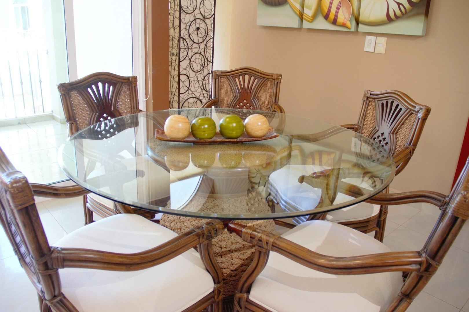 Dining table with seating for 5 people.