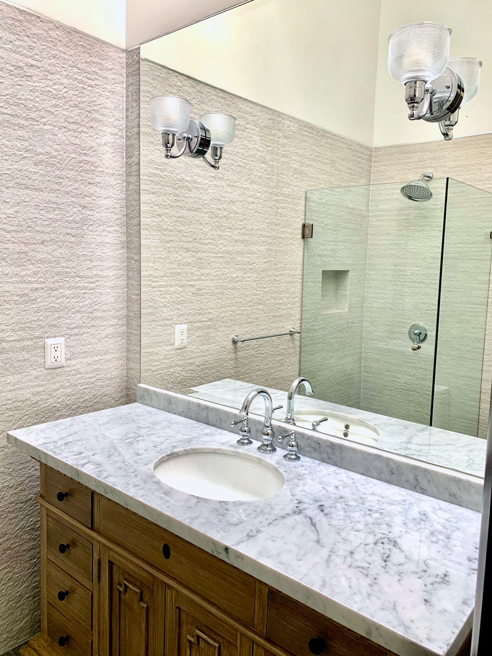 Large vanity in second ensuite.