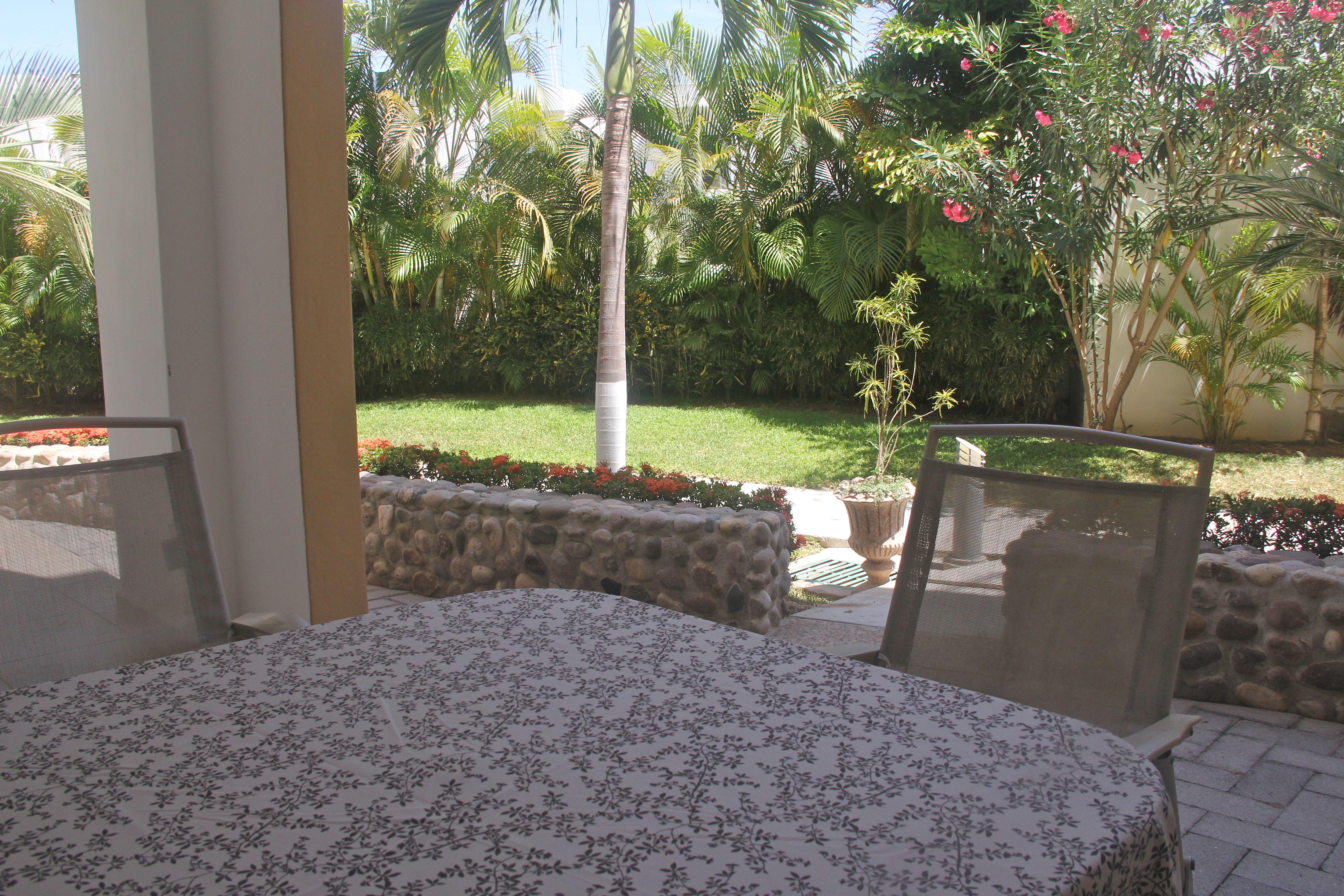 Terraza privada con acceso a alberca