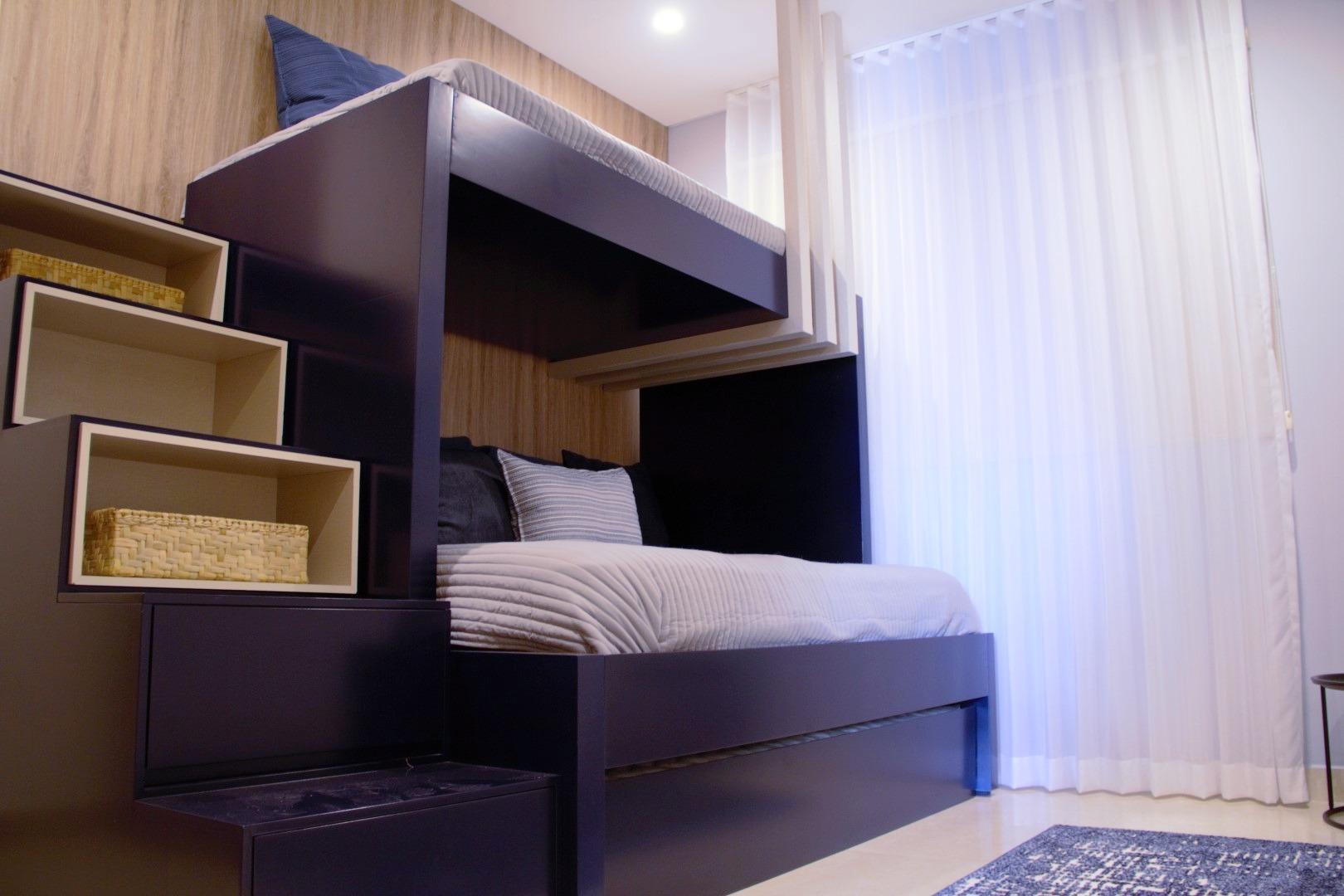Bunk-beds in second bedroom.