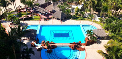 Views of the pool and common areas.