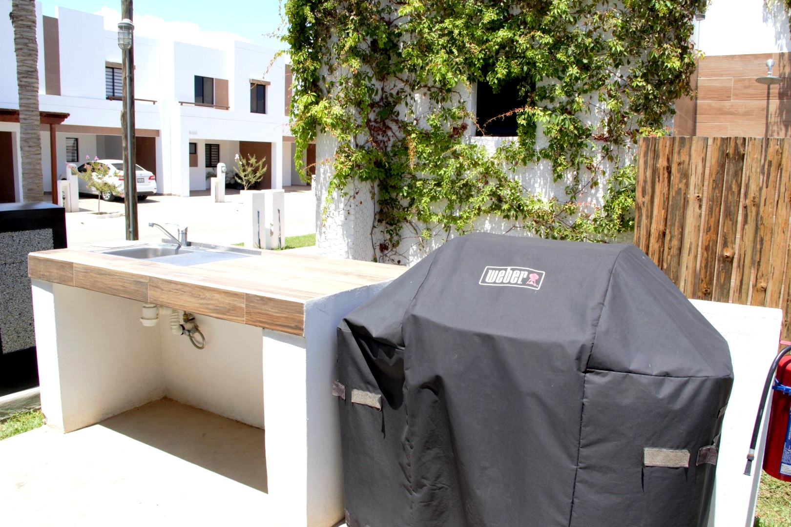 There are 2 grills that can be reserved and used.