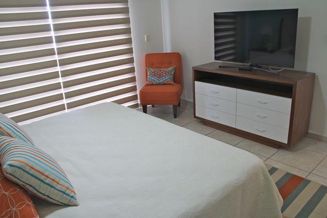 Habitación principal con TV
