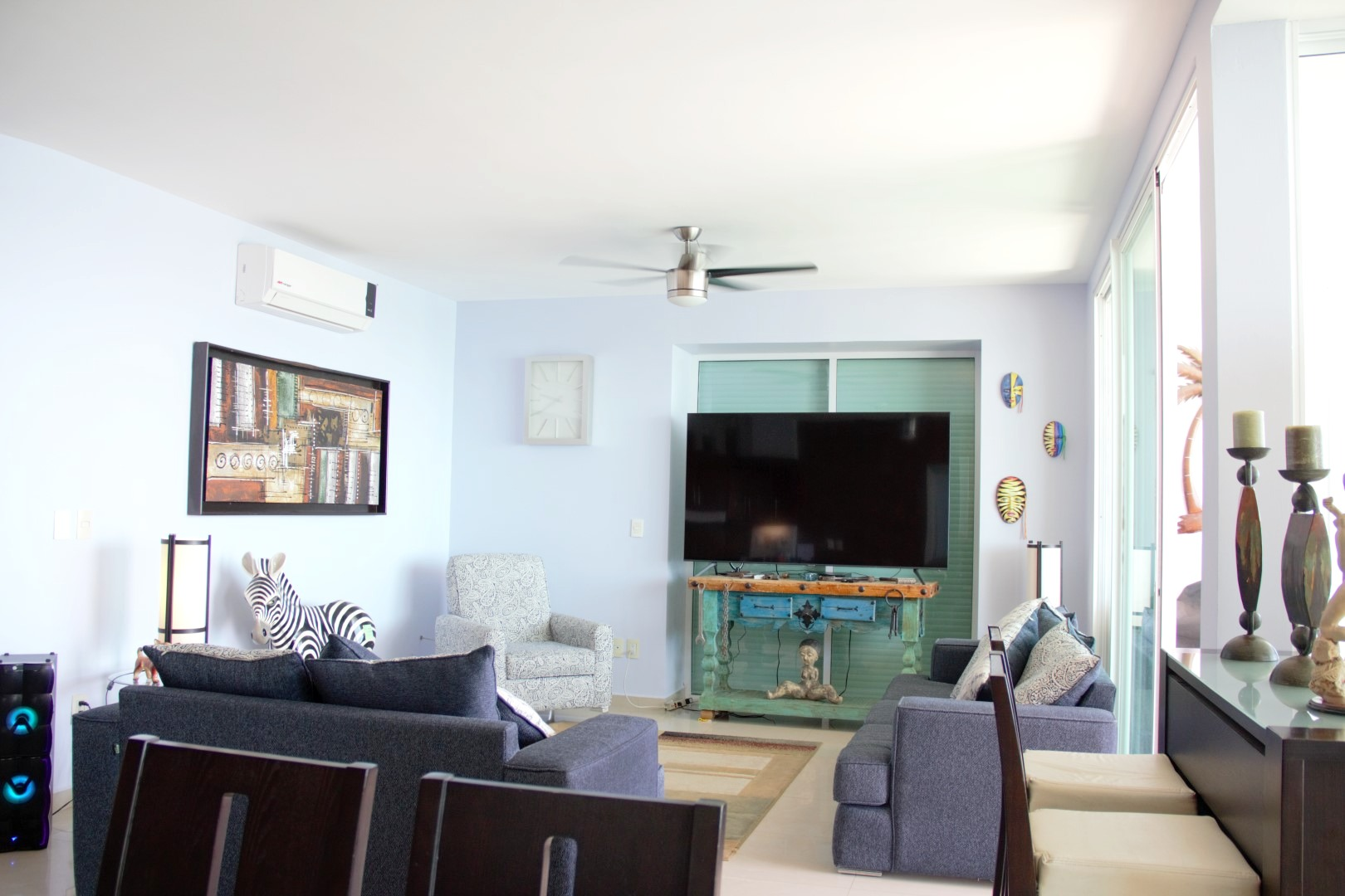 Large living room.