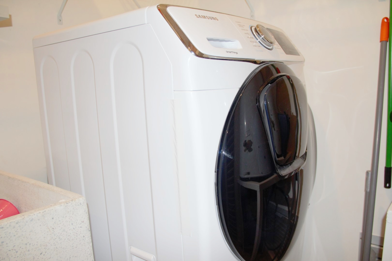 Single-unit washer/dryer.