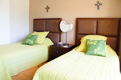 Third bedroom with 2 twin beds.