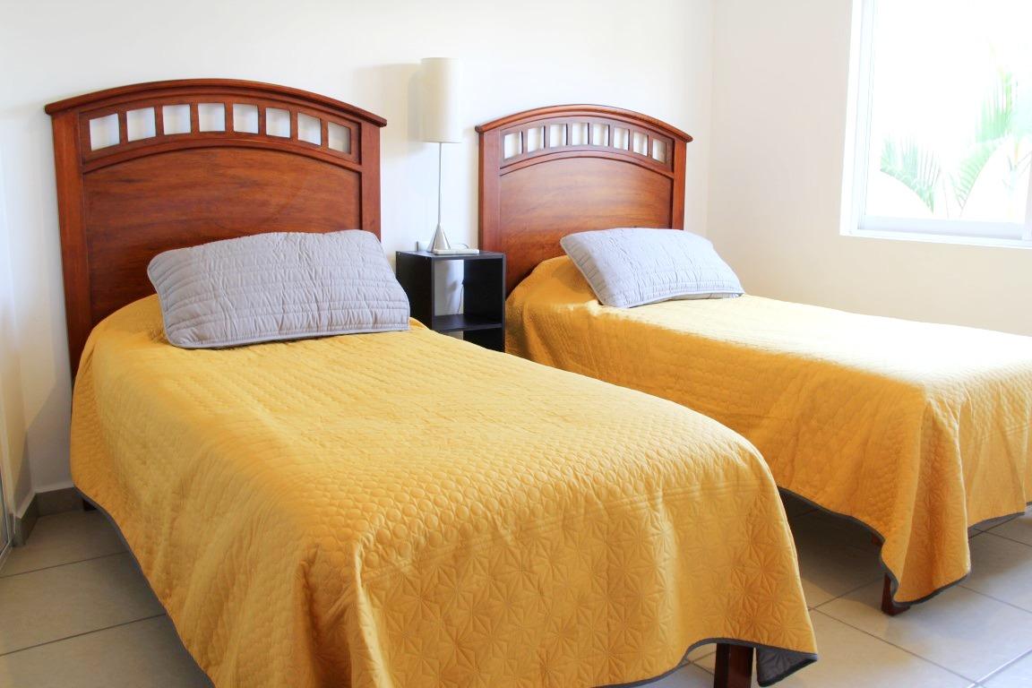 Second bedroom.