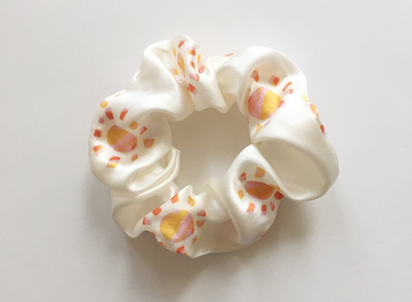 Hair saviour - the silk scrunchie