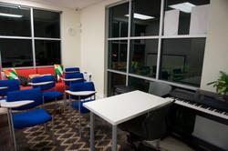 CLASS_ROOM_05