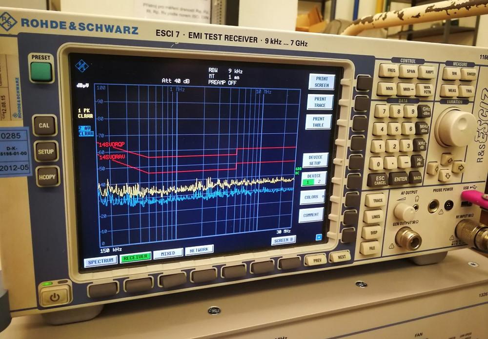 Přístroj pro měření EMC