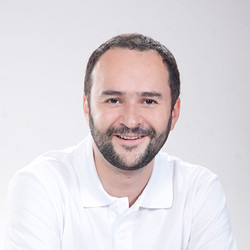 Axel Cardona