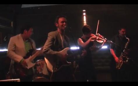 Las Personas en el Menhir de Logroño. Cuando éramos siete. Septiembre de 2013, primer concierto con la banda al completo.