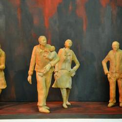 Picasa - la ville rouge terre cuite et métal 1m50 sur 1m 6 personnages de 40cm d