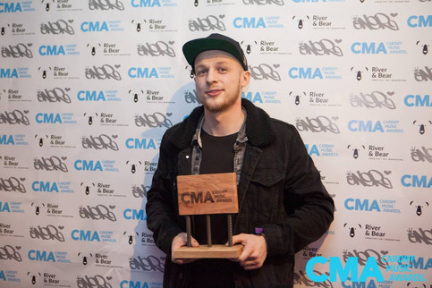 """""""Best Solo Artist"""" at Cardiff Music Awards 2017"""