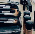 make-up-1209798__340_edited.jpg