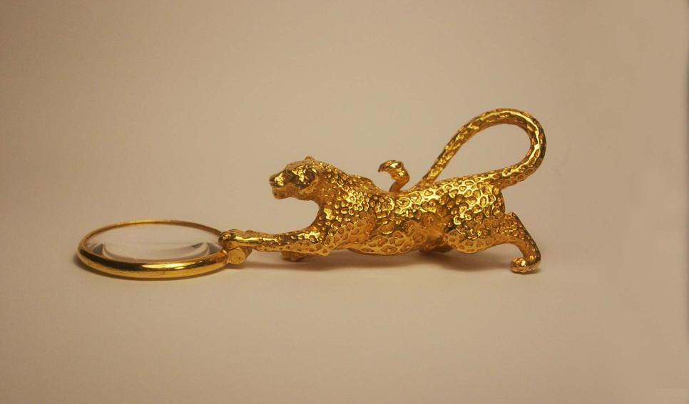 Leopard Magnifier