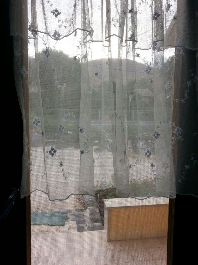 מבעד לחלון 9