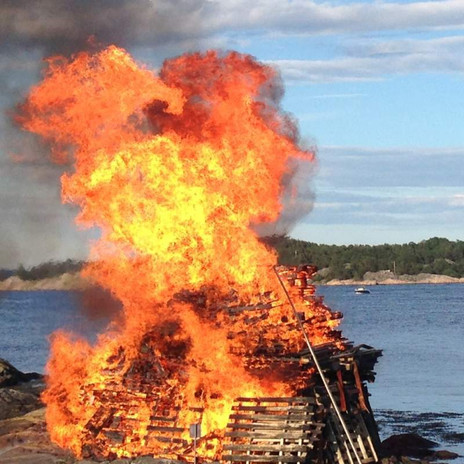 How to Celebrate Midsommar Like a Norwegian
