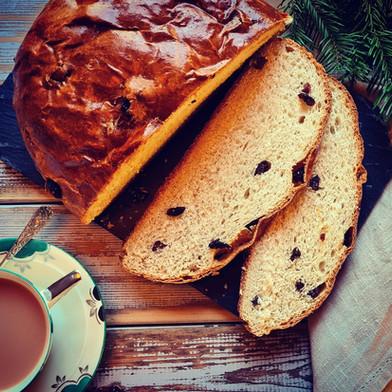 Julekake, Norwegian Cinnamon Raisin Loaf