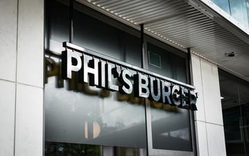 PHIL'S BURGER - MÖRBY