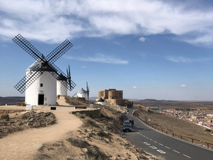 Valdepeñas e Consuegra | Atravessando Castilla-La Mancha