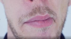 bouche beatbox lipsroll