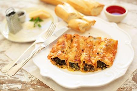 la-cuccina-main-meals-vegetarian-spinach