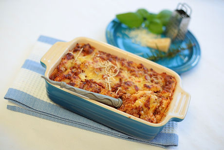 la-cuccina-main-meals-beef-lasagne.jpg