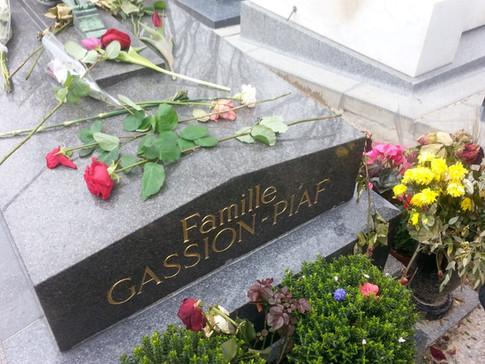 סיור בבית הקברות פר לה שז