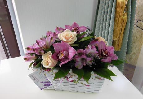 Корзинка с орхидеей