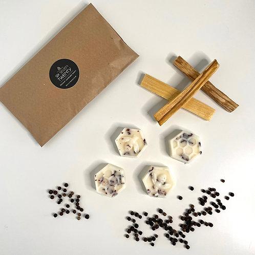 Sandalwood & Peppercorn Botanical Wax Melts | Bee design 4 pack