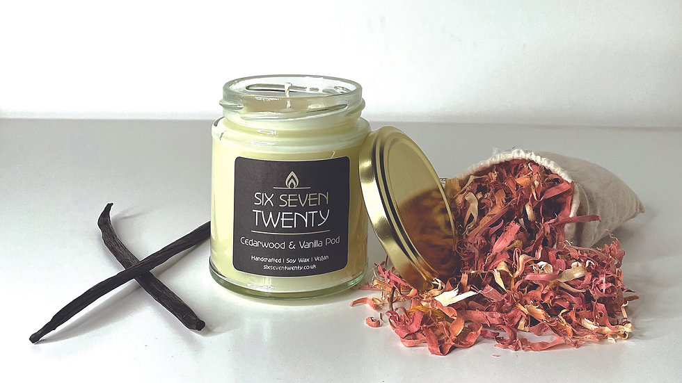 Cedarwood & Vanilla Pod 190ml Soy Candle