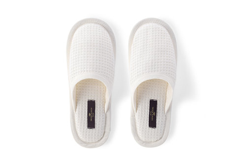 Linen Waffle Bath Unisex Slippers in Off-White