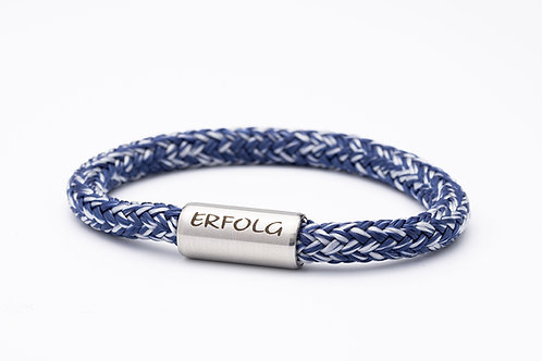 Armband weiß, blau meliert, mit Tomanika Erfolg
